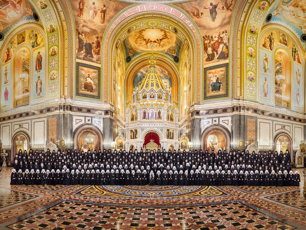 Второй день работы Архиерейского собора