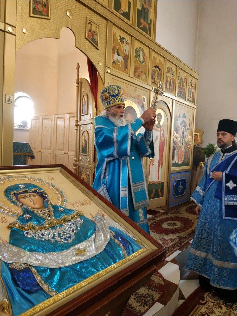 В храмах Ржевской епархии отметили праздник Покрова Пресвятой Богородицы