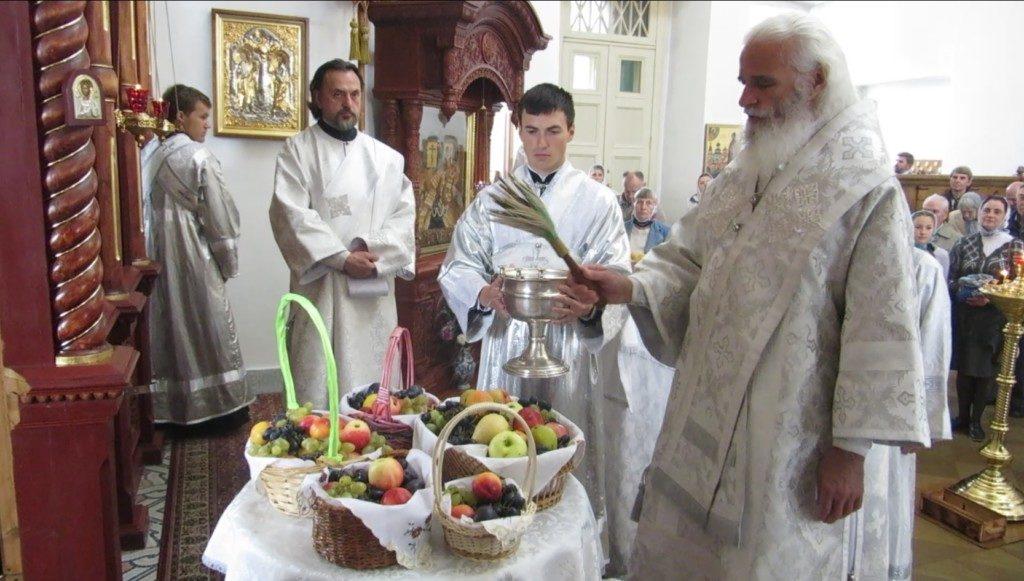 В Оковецком соборе молитвенно встретили праздник Преображения Господня